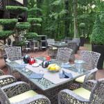 Petit déjeuner en terrasse Hôtel Diane